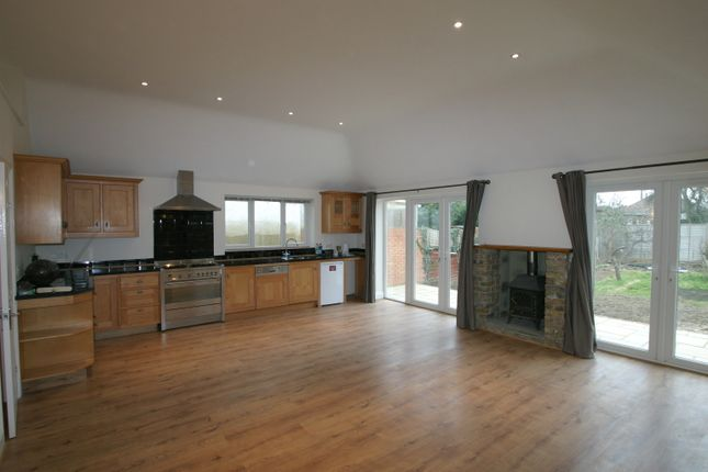 Thumbnail Bungalow to rent in Marion Avenue, Shepperton