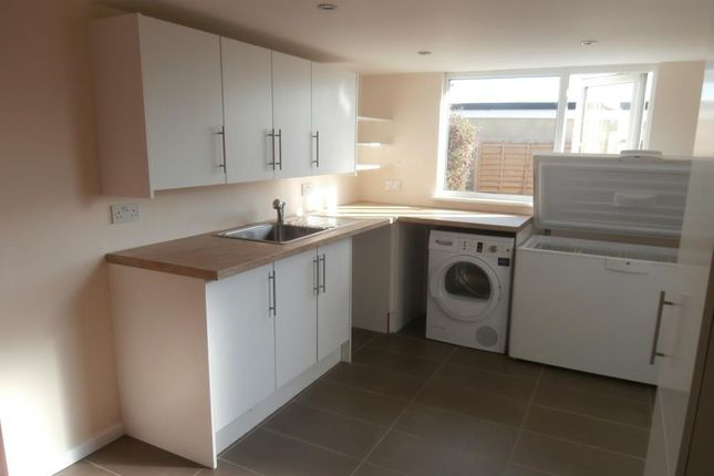 Thumbnail Detached bungalow to rent in Chalgrove, Oxfordshire