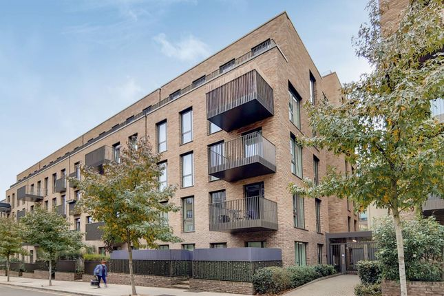 Thumbnail Flat for sale in West Row, Ladbroke Grove, London