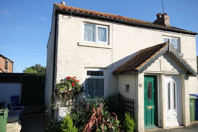 Thumbnail Cottage for sale in Northgate, Hunmanby