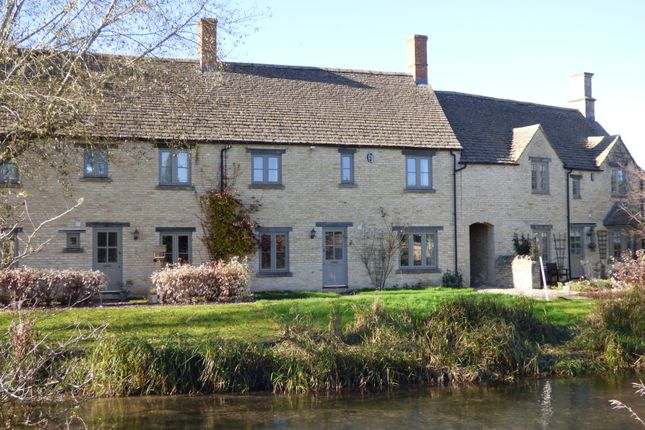 Thumbnail Property for sale in 3 Groves Place, Fairford, Gloucestershire