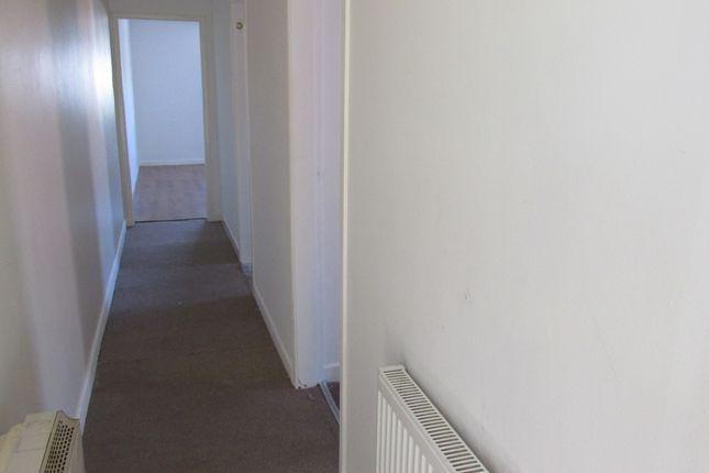 Corridor of Flanderwell Lane, Rotherham S66