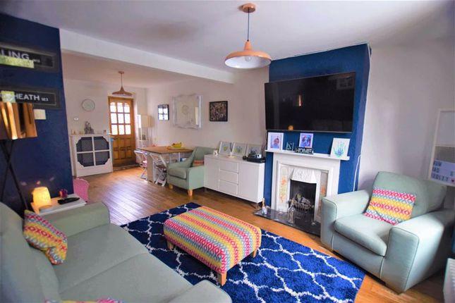 2 bed terraced house for sale in Lennard Row, Aveley, Essex RM15
