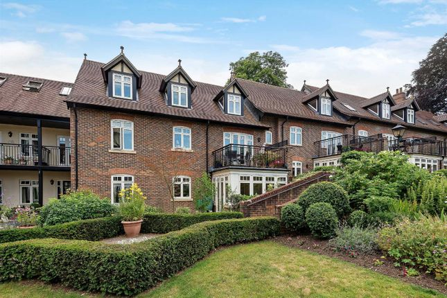 Thumbnail Flat for sale in Horsham Road, Bramley, Guildford