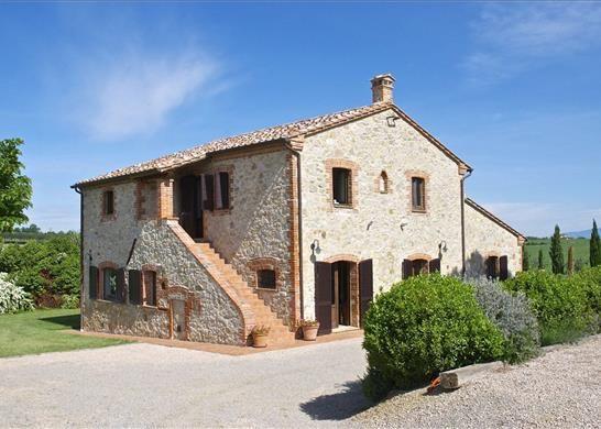 4 bed farmhouse for sale in 06061 Castiglione Del Lago Province Of Perugia, Italy