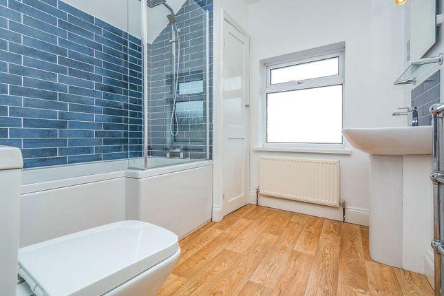 Bathroom of Prince Of Wales Avenue, Reading RG30
