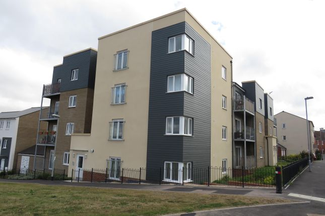Thumbnail Flat to rent in Shackleton Road, Yeovil