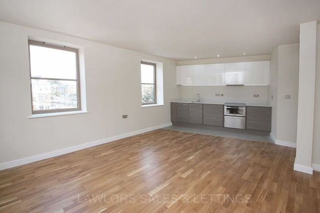 1 bed flat to rent in Charteris Road, Woodford Green