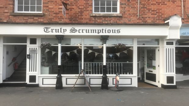 Thumbnail Restaurant/cafe for sale in King Street, Mold