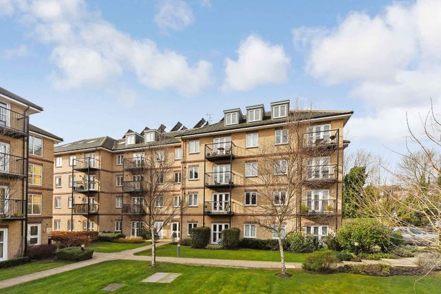Thumbnail Flat for sale in Worcester Close, Anerley, London