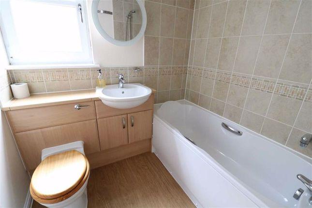 Family Bathroom of Woodlands Drive, Lhanbryde, Elgin IV30