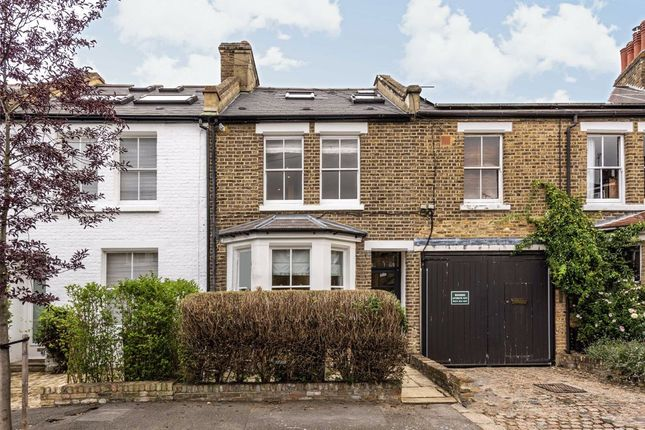 Thumbnail Property to rent in Saville Road, London