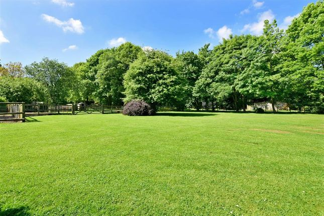 Thumbnail Detached bungalow for sale in Gravelly Bottom Road, Kingswood, Maidstone, Kent