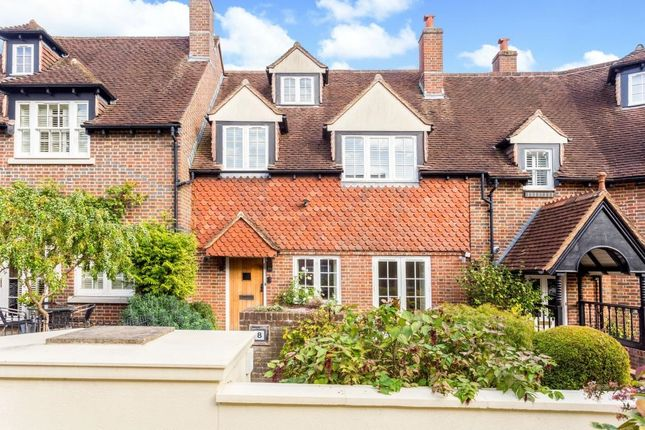 Thumbnail Mews house to rent in Yew Tree Mews, Market Square, Westerham