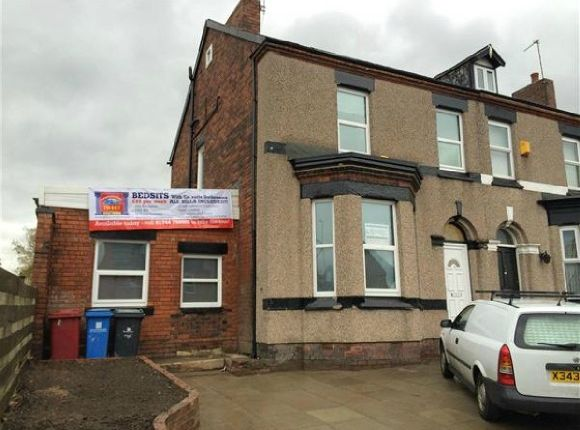 Thumbnail Flat to rent in Warrington Road - Bedsit, Prescot, Liverpool