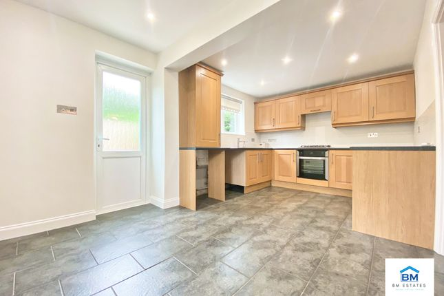 3 bed semi-detached house to rent in Flatholme Road, Leicester LE5