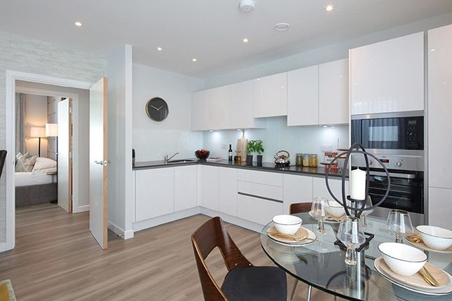 Thumbnail Flat for sale in Hickman Walk, London