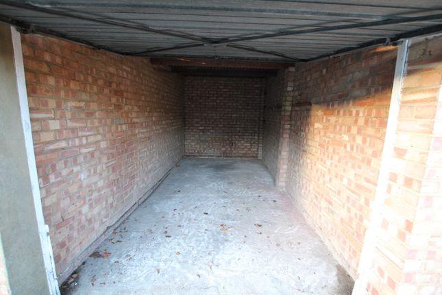Parking/garage to rent in Park View, Hoddesdon