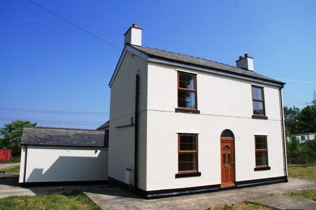 Thumbnail Detached house to rent in Chester Road, Oakenholt, Flint