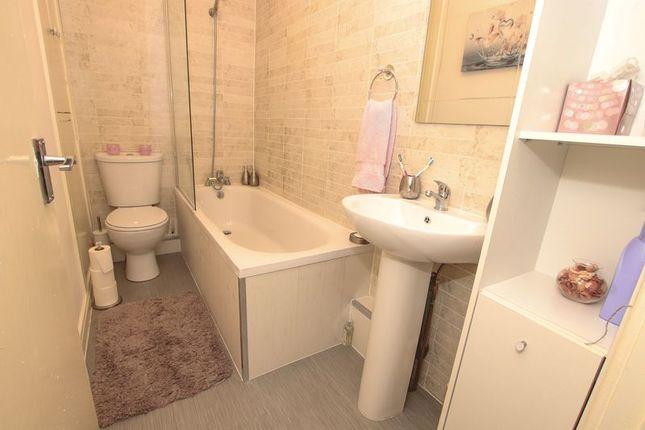 Flat - Bathroom / WC