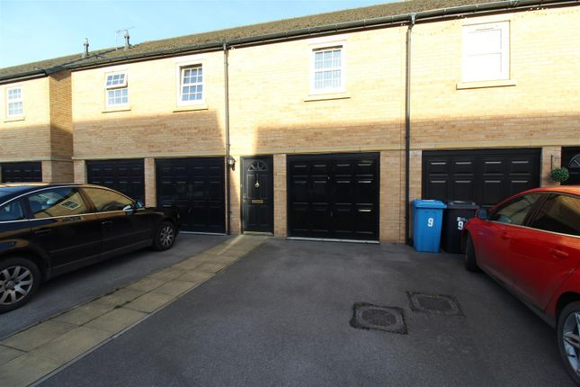 Thumbnail Flat for sale in Jensen Mews, Hull