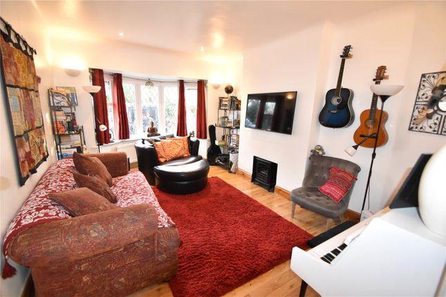 Picture No. 15 of Waynflete Avenue, Croydon CR0
