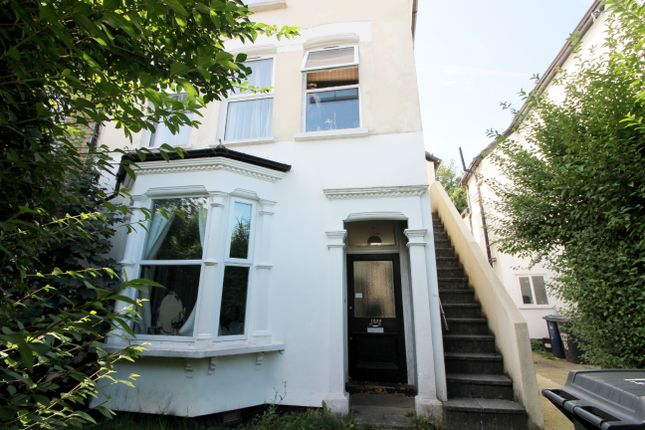 2 bed flat to rent in Station Road, Finchley Central