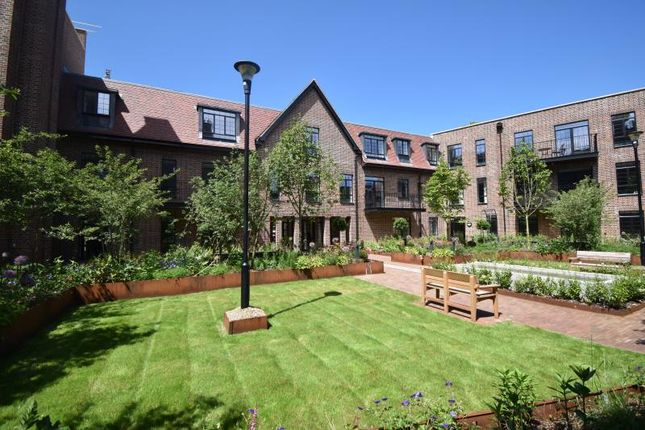 Thumbnail Flat to rent in Hampstead Reach, Chandos Way, London