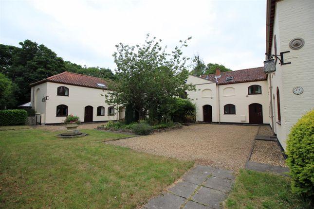 3 bed property for sale in Brooke Gardens, Brooke, Norwich