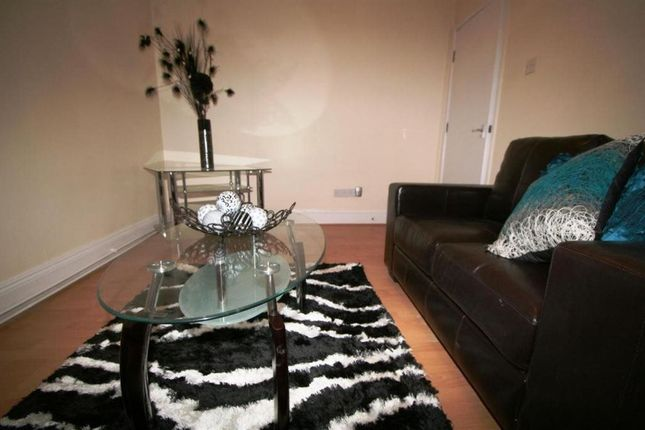 Thumbnail Terraced house to rent in Kendall Lane, Leeds
