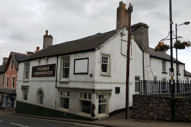 Thumbnail Pub/bar for sale in Vale Street, Denbigh