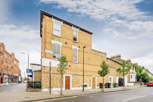 Thumbnail Flat to rent in Landor Road, Clapham