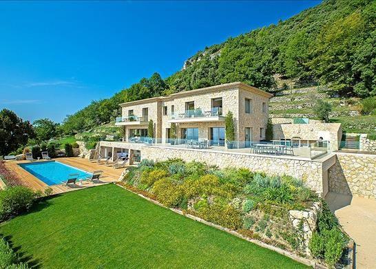 5 bed detached house for sale in Tourrettes-Sur-Loup, France