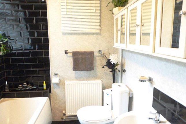 Bathroom of Renfrew Street, Hull HU5