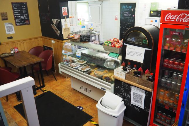 Thumbnail Restaurant/cafe for sale in Cafe & Sandwich Bars BD12, Low Moor, West Yorkshire