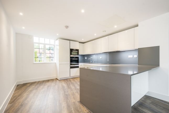 Thumbnail Flat to rent in Wellgarth Road, London