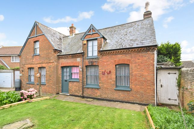 3 bed detached house to rent in De Cham Road, St Leonards, East Sussex TN37