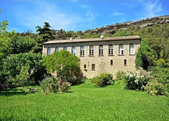7 bed property for sale in 84110 Vaison-La-Romaine, France
