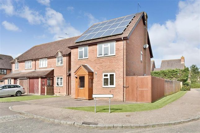 Thumbnail Detached house for sale in Clover Way, Smallfield, Surrey