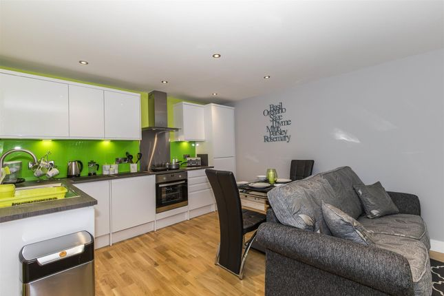 Thumbnail Commercial property for sale in 24 Luxury Freehold Serviced Apartments DL3, County Durham