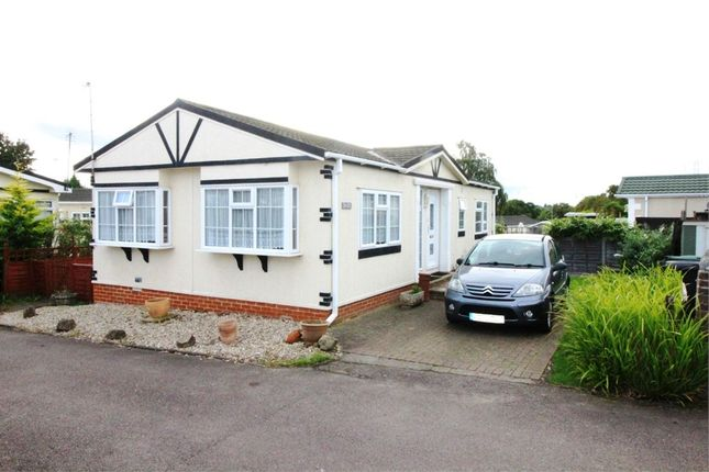 Thumbnail Mobile/park home for sale in The Rise, Waltham Abbey, Essex