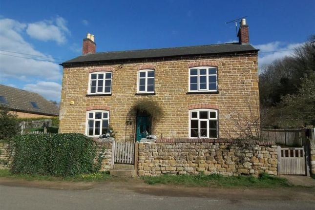 Thumbnail Cottage to rent in Main Street, Woolsthorpe, Grantham