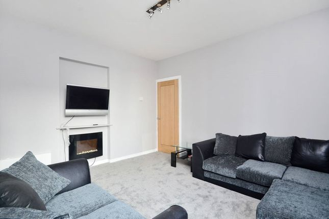 Thumbnail Flat to rent in Field Road, Hammersmith