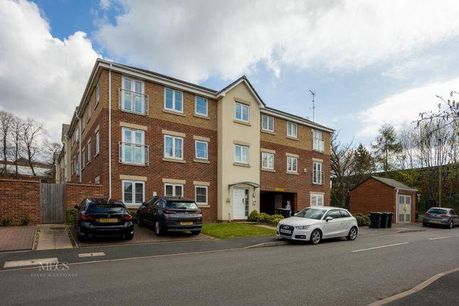 Flat for sale in Golden Orchard, Halesowen, West Midlands