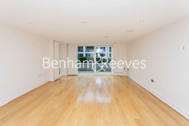 3 bed flat to rent in Lensbury Avenue, Fulham SW6