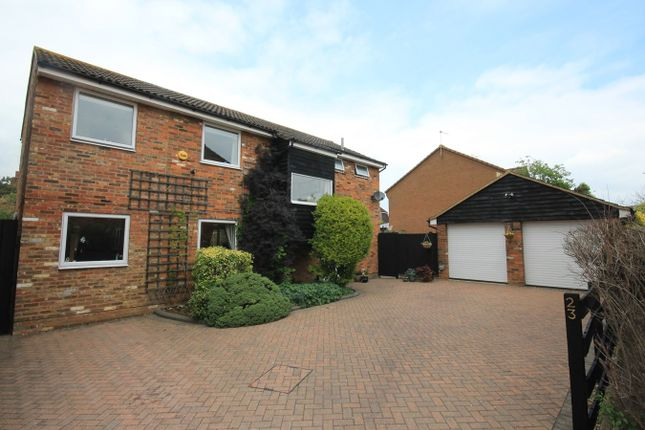 Thumbnail Detached house for sale in Tythe Barn Close, Westoning