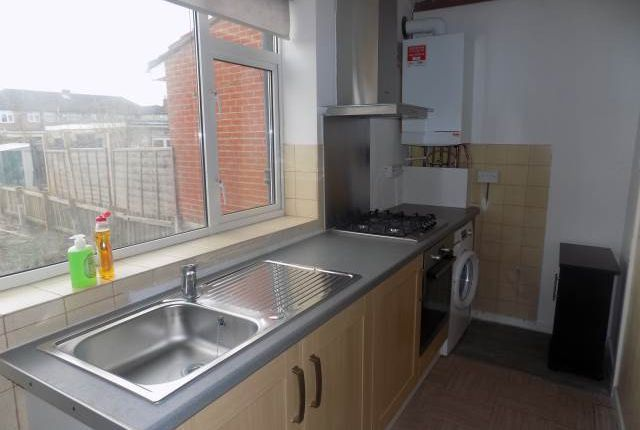 Thumbnail Property to rent in Laburnum Road, Hayes, Middlesex