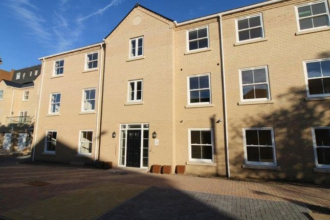 Thumbnail Flat for sale in Shaftesbury Court, Rectory Road, Lowestoft