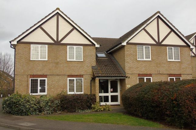 Thumbnail Flat to rent in Rockall Court, Langley, Slough