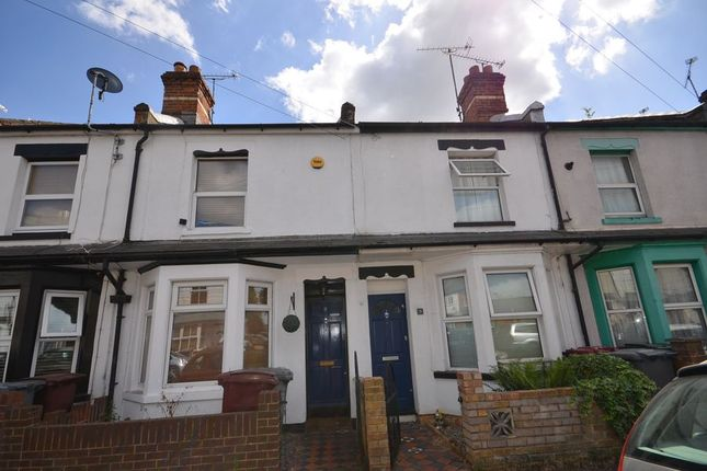 Thumbnail Terraced house to rent in Queens Road, Caversham, Reading